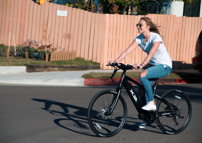 רכיבה על אופניים חשמליים